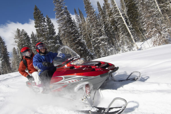 white_mountains_snowmobiling